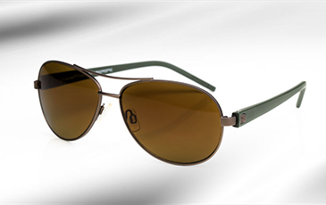 79d35c9f0a7 Designed for maximum filtration of excess light so the eye does not get  saturated. Transitions Drivewear change to a dark brown colour while the  tint ...